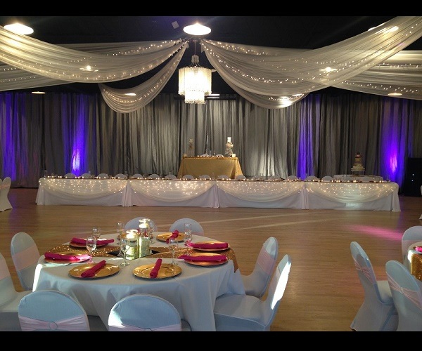 Head Table Decorations For Large Wedding Party